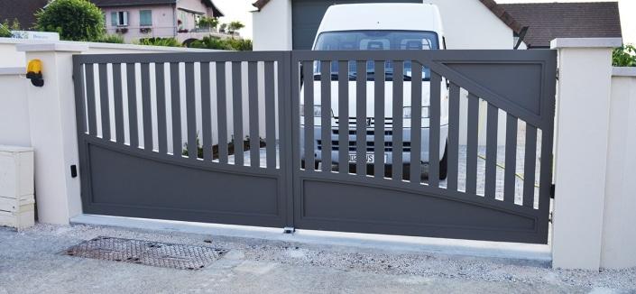 portails aluminium contemporains